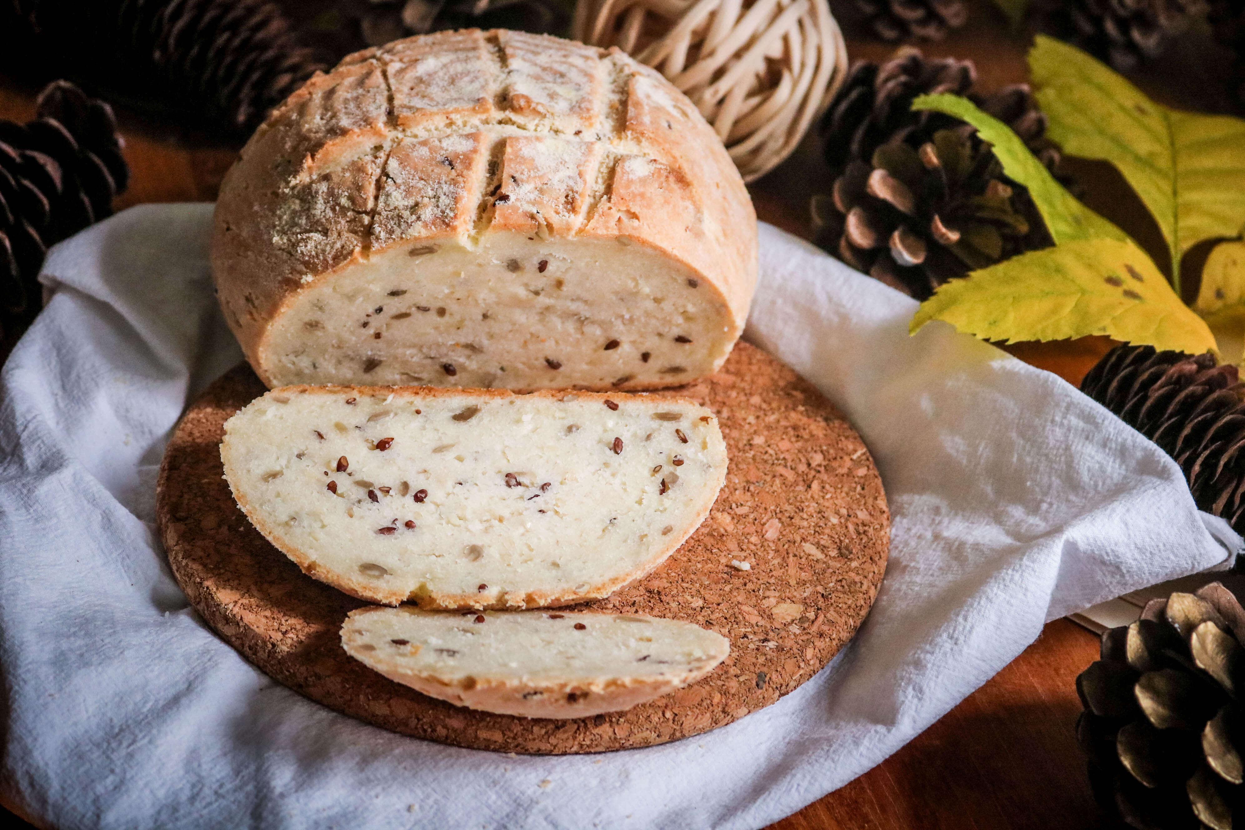 kruh sa sjemenkama bez glutena